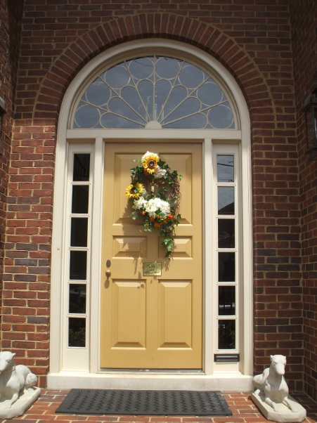 Door with sidelight restoration